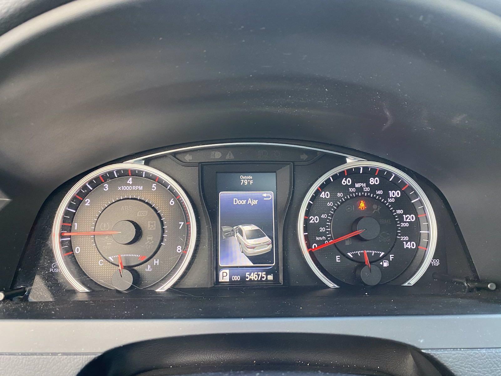 Used-2016-Toyota-Camry-XSE-(Navi,-Sunroof,Push-Start)