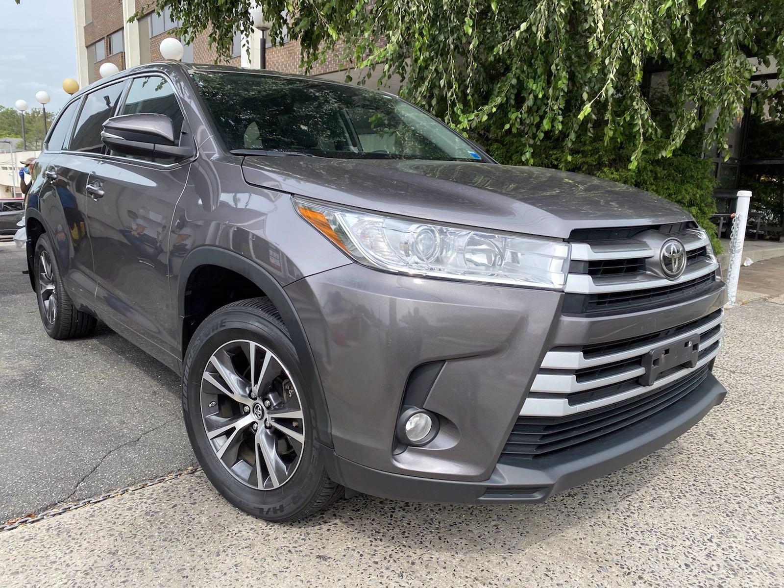 Used-2017-Toyota-Highlander-LE-Plus