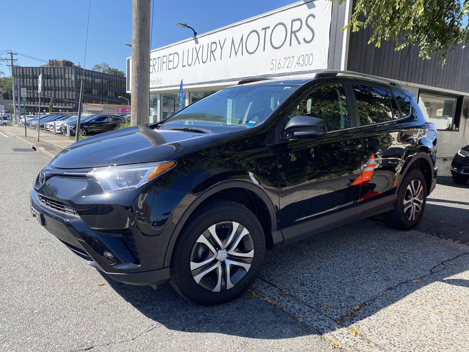 Used 2017 Toyota RAV4 LE | Great Neck, NY
