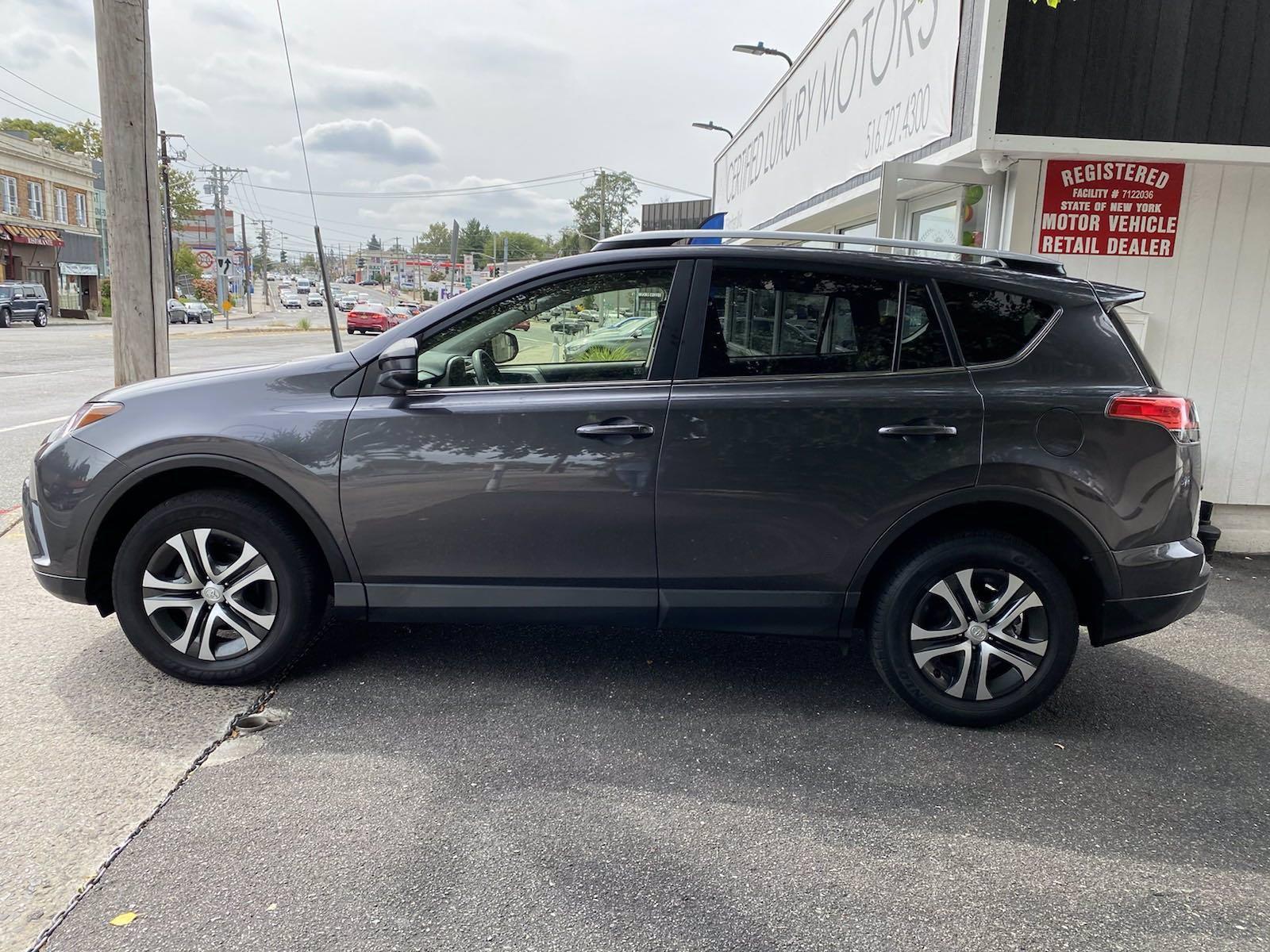 Used-2017-Toyota-RAV4-LE