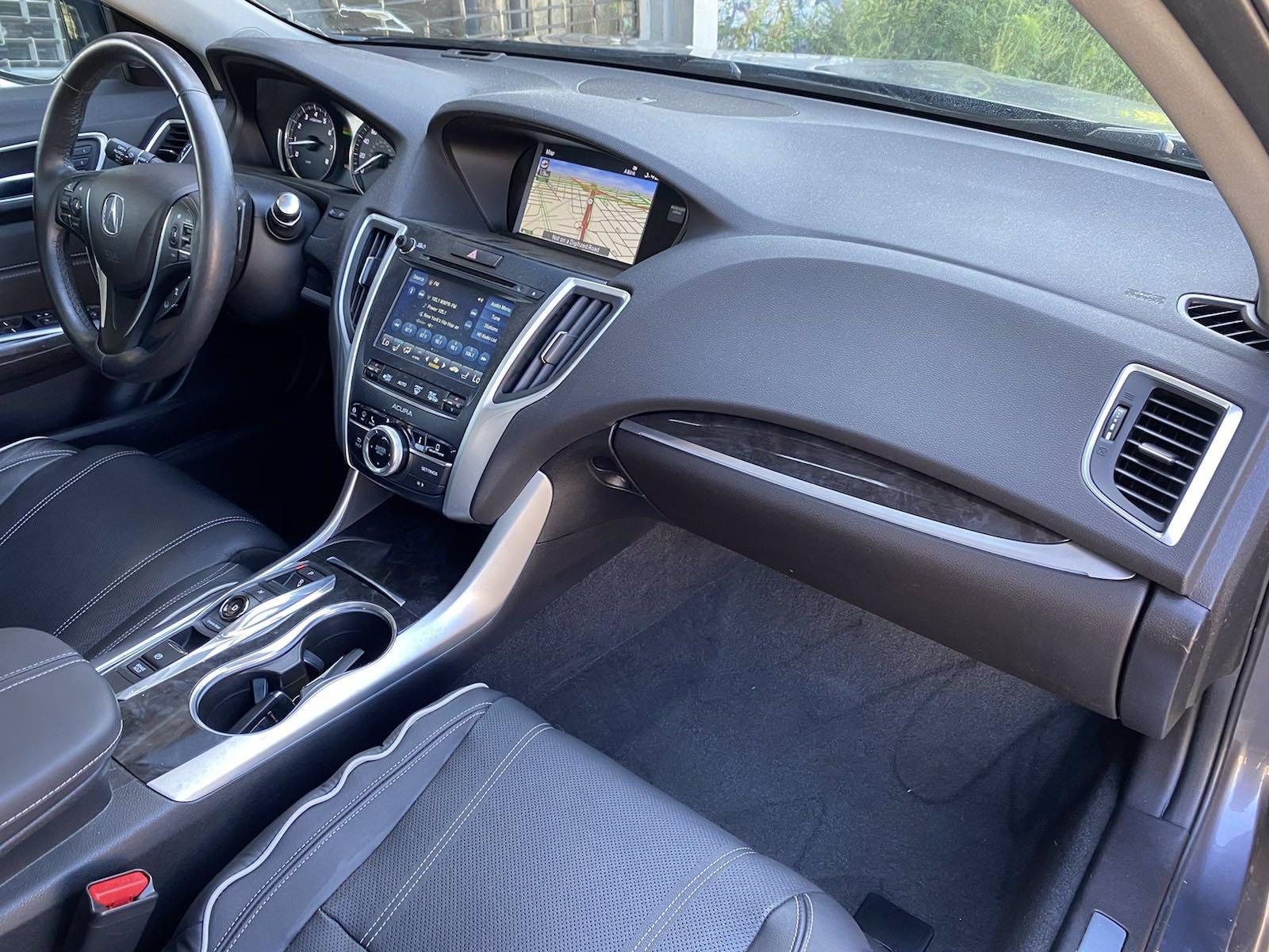 Used-2018-Acura-TLX-w/Advance-Pkg