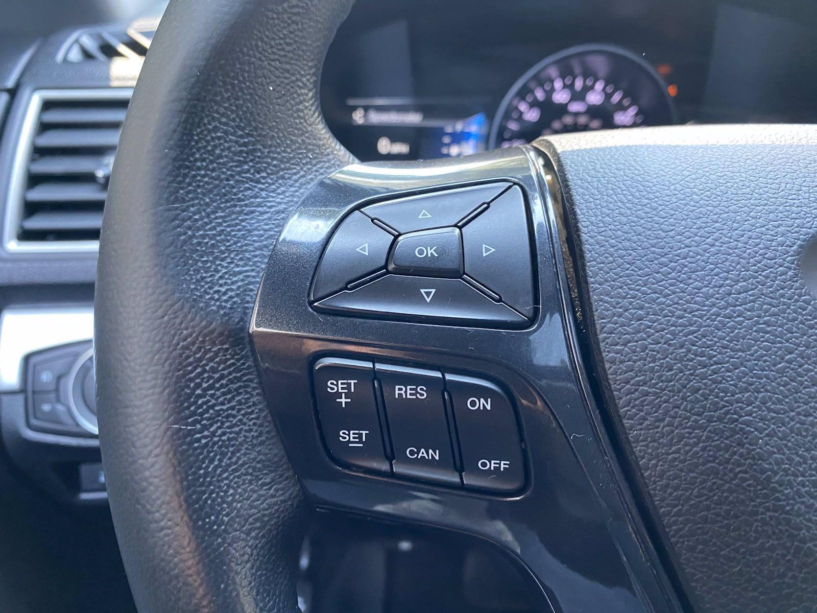 Used-2017-Ford-Explorer-XLT