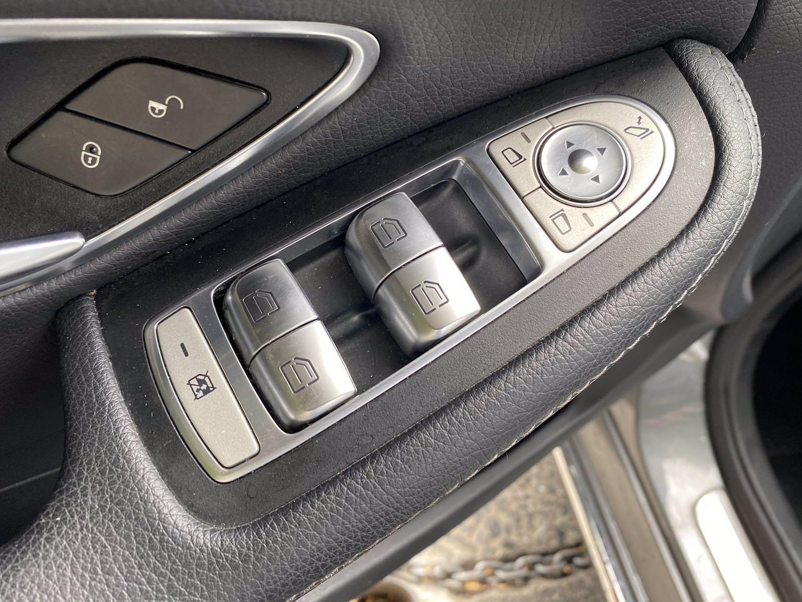 Used-2017-Mercedes-Benz-C-Class-C-300