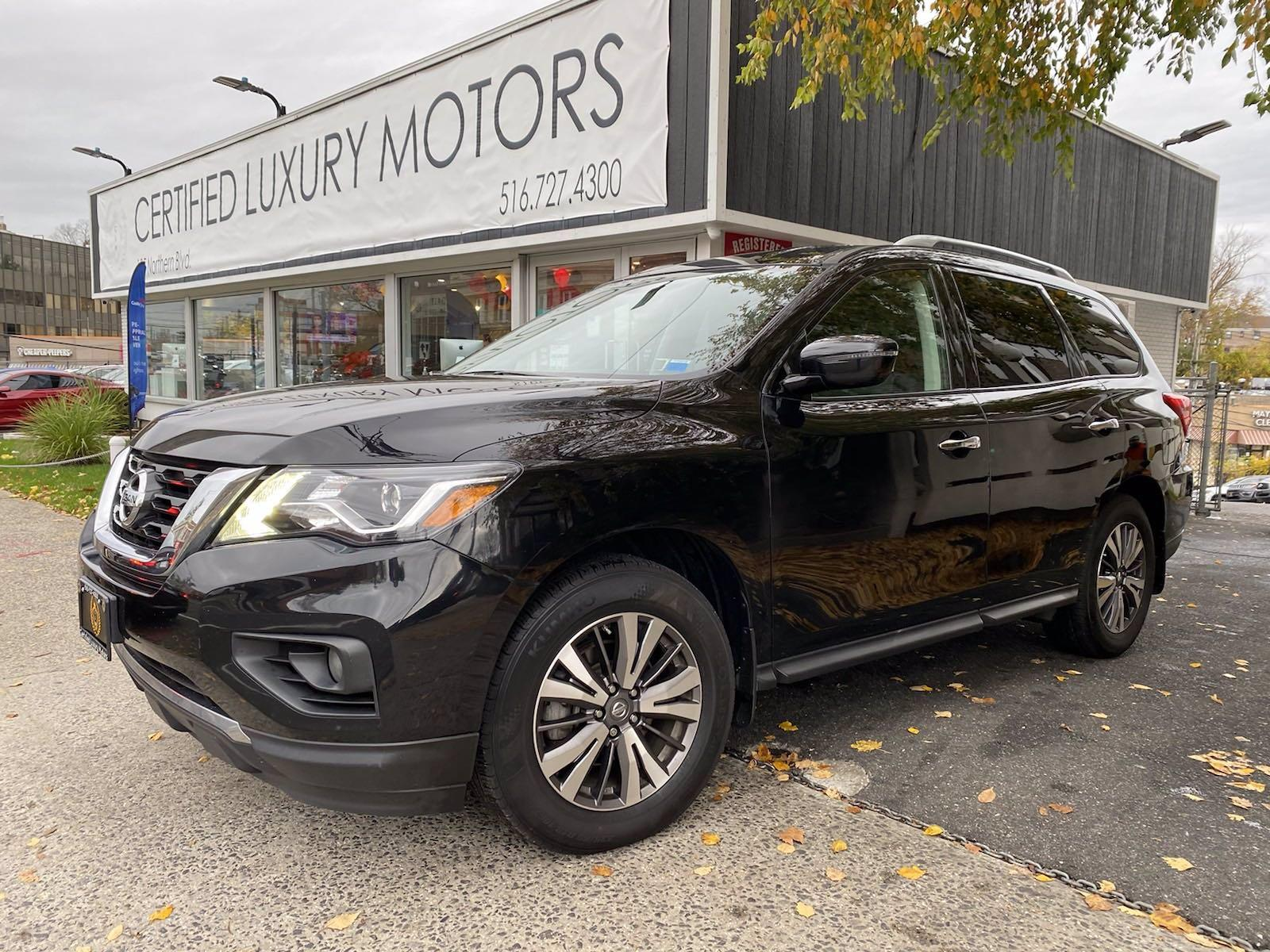 Used 2017 Nissan Pathfinder SV  | Great Neck, NY
