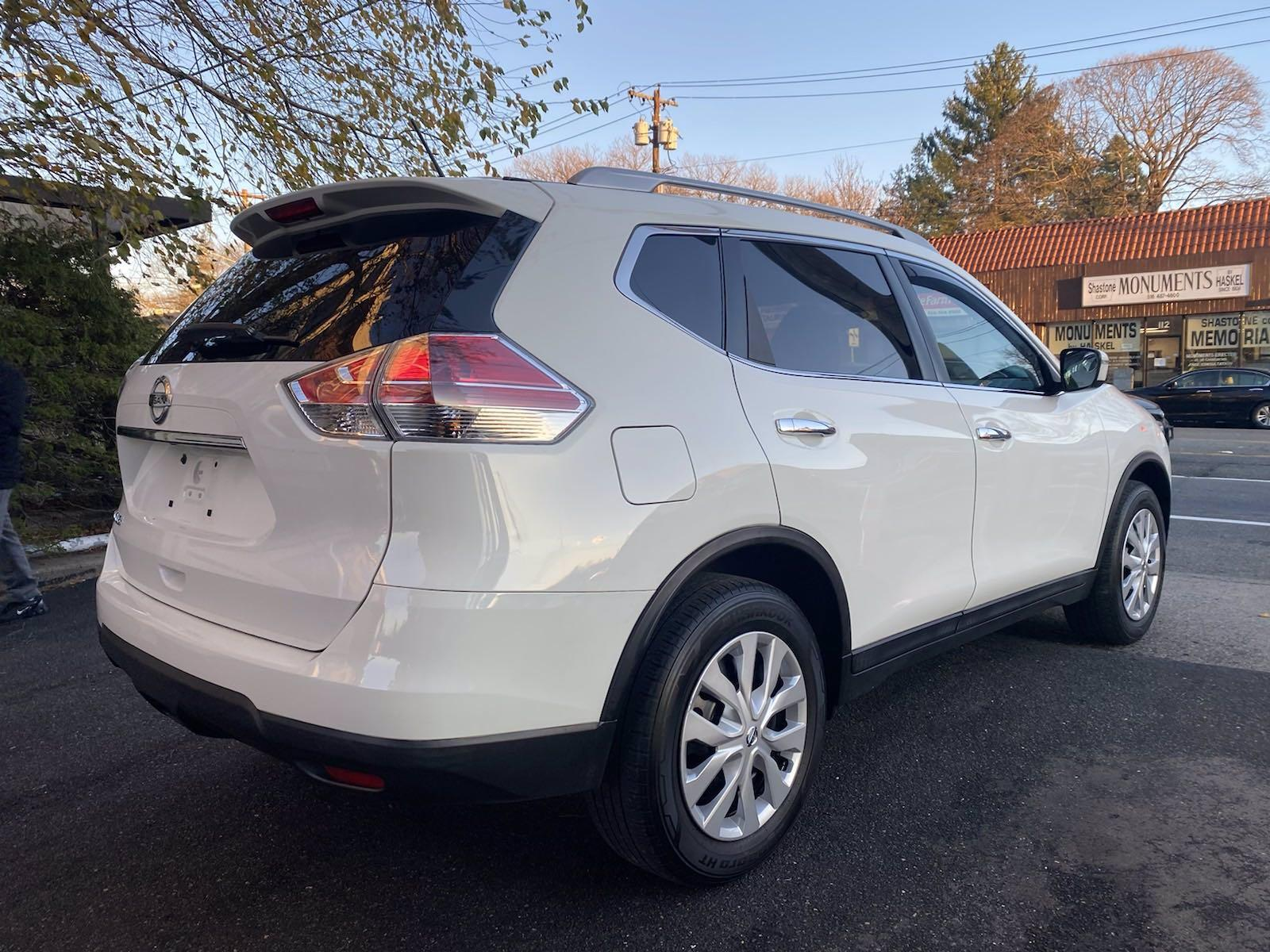 Used-2016-Nissan-Rogue-S