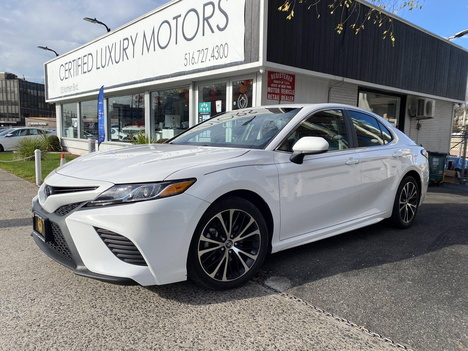 Used 2018 Toyota Camry SE | Great Neck, NY