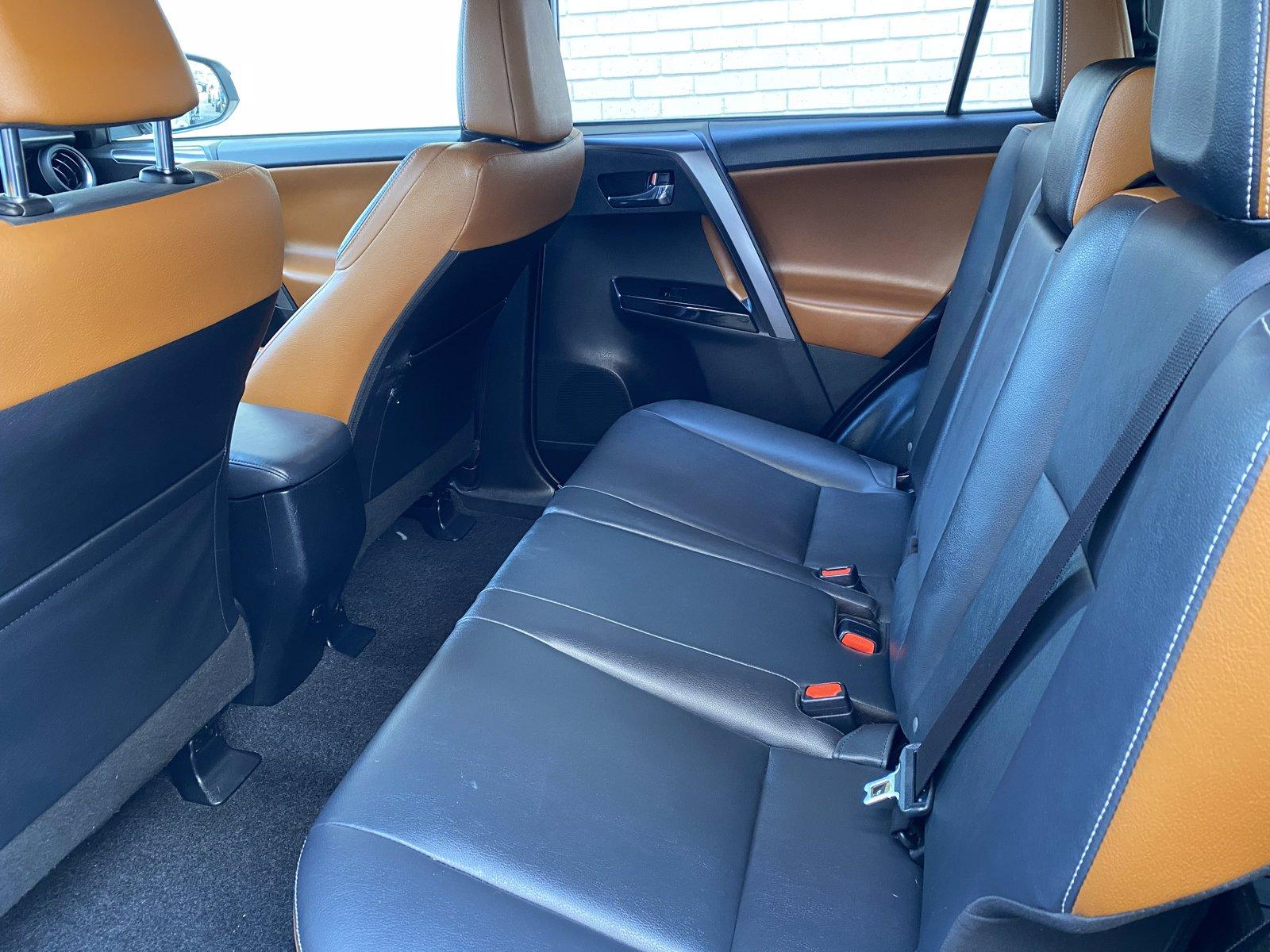 Used-2018-Toyota-RAV4-SE