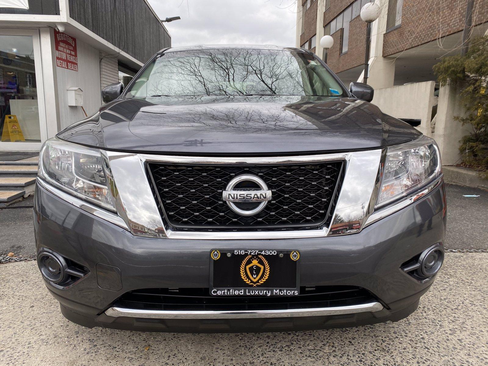Used-2014-Nissan-Pathfinder-S