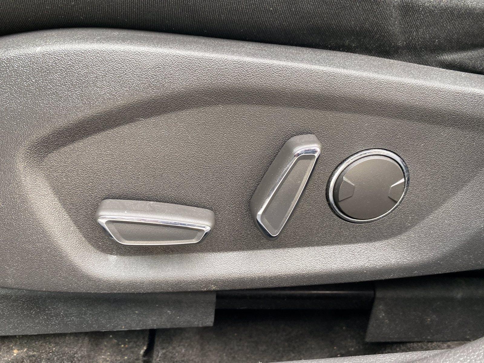 Used-2014-Ford-Fusion-SE