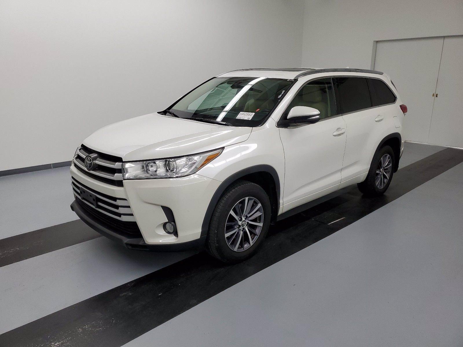 Used 2017 Toyota Highlander XLE | Great Neck, NY