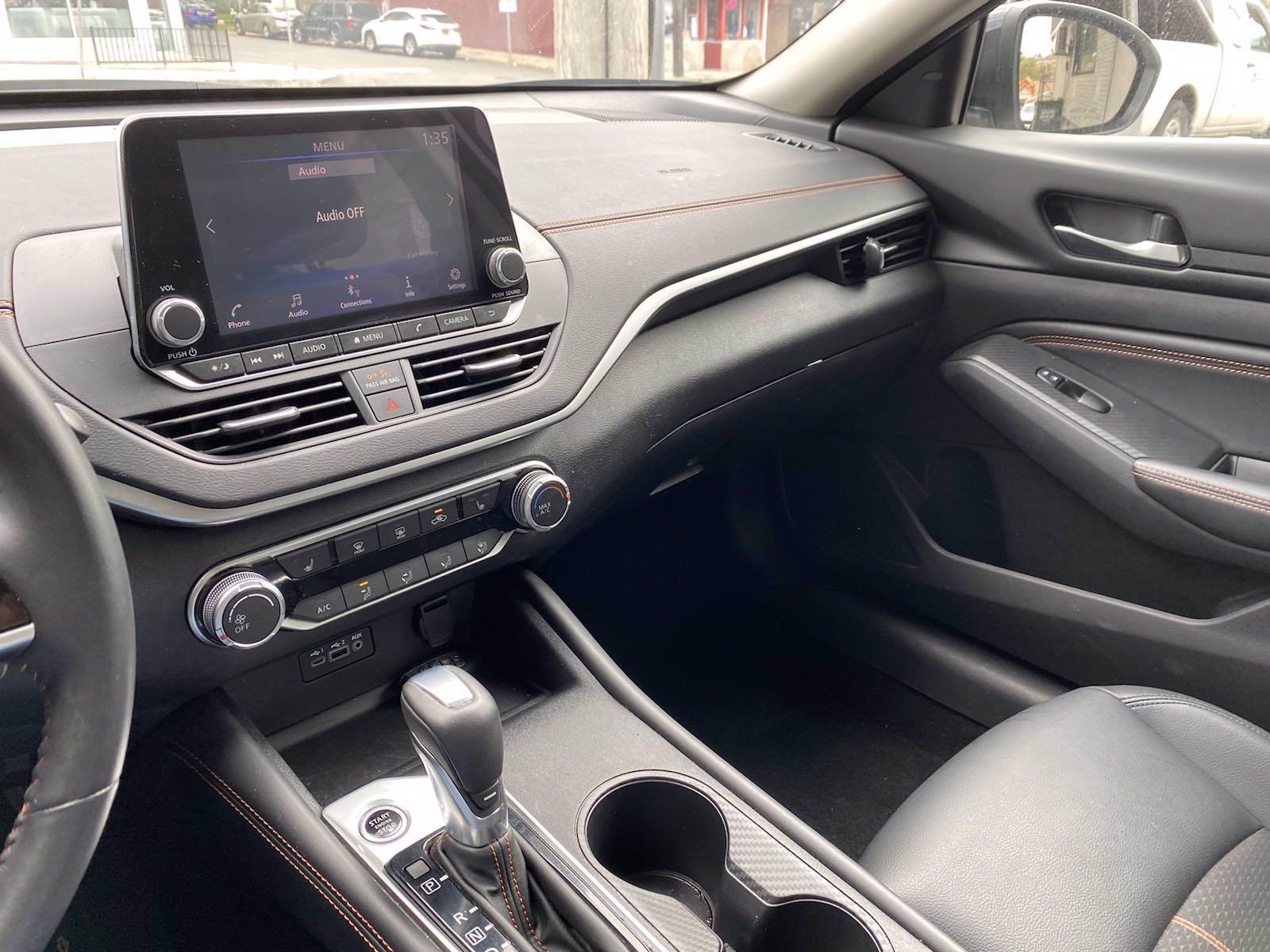 Used-2020-Nissan-Altima-25-SR
