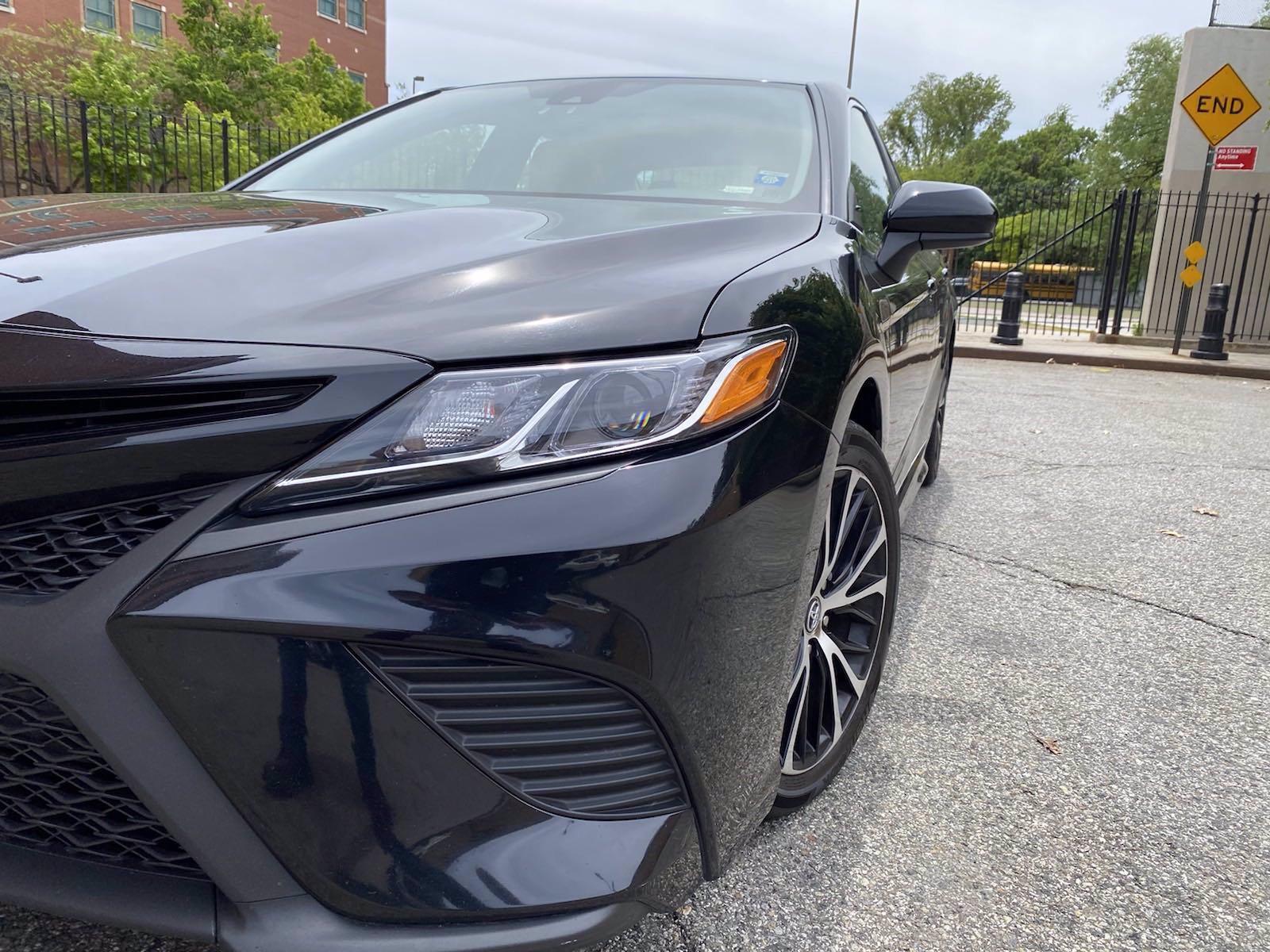 Used-2018-Toyota-Camry-SE