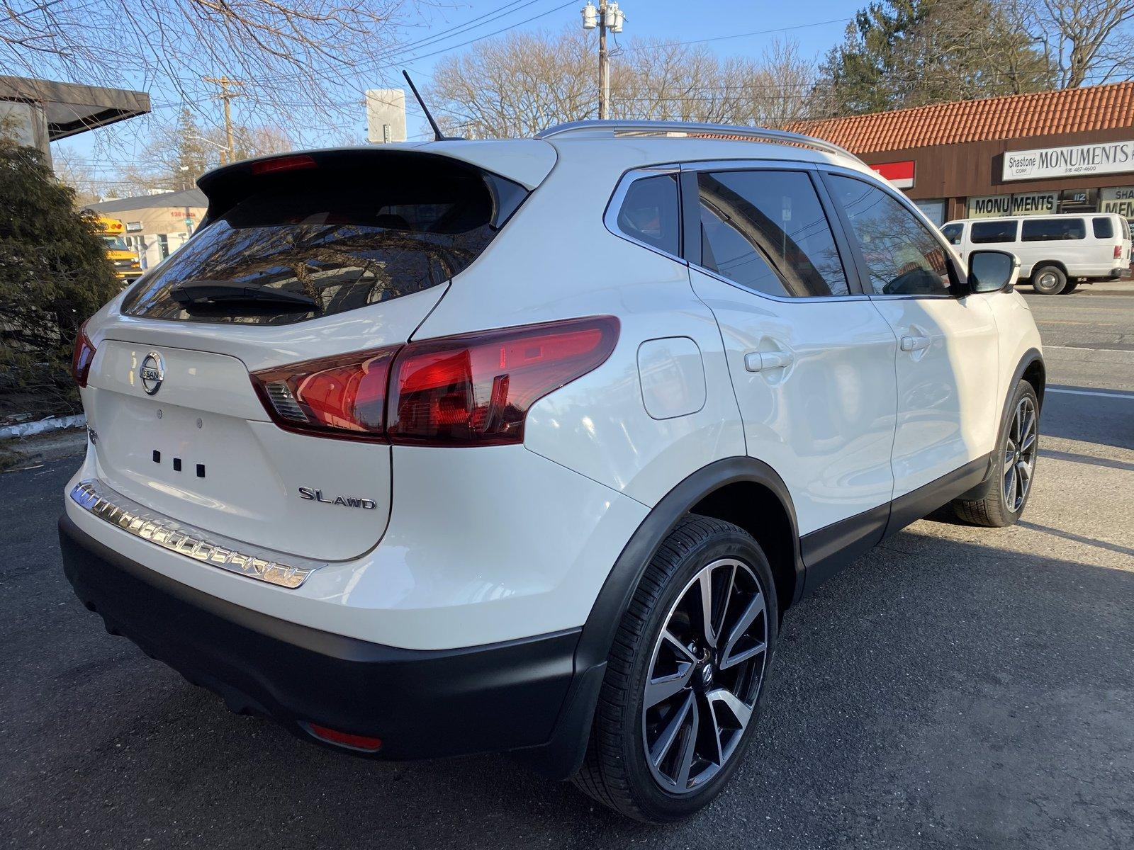 Used-2017-Nissan-Rogue-Sport-SL