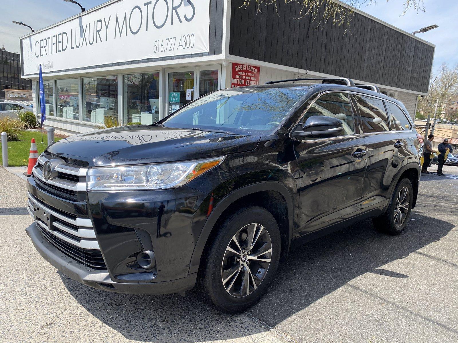 Used 2017 Toyota Highlander LE | Great Neck, NY