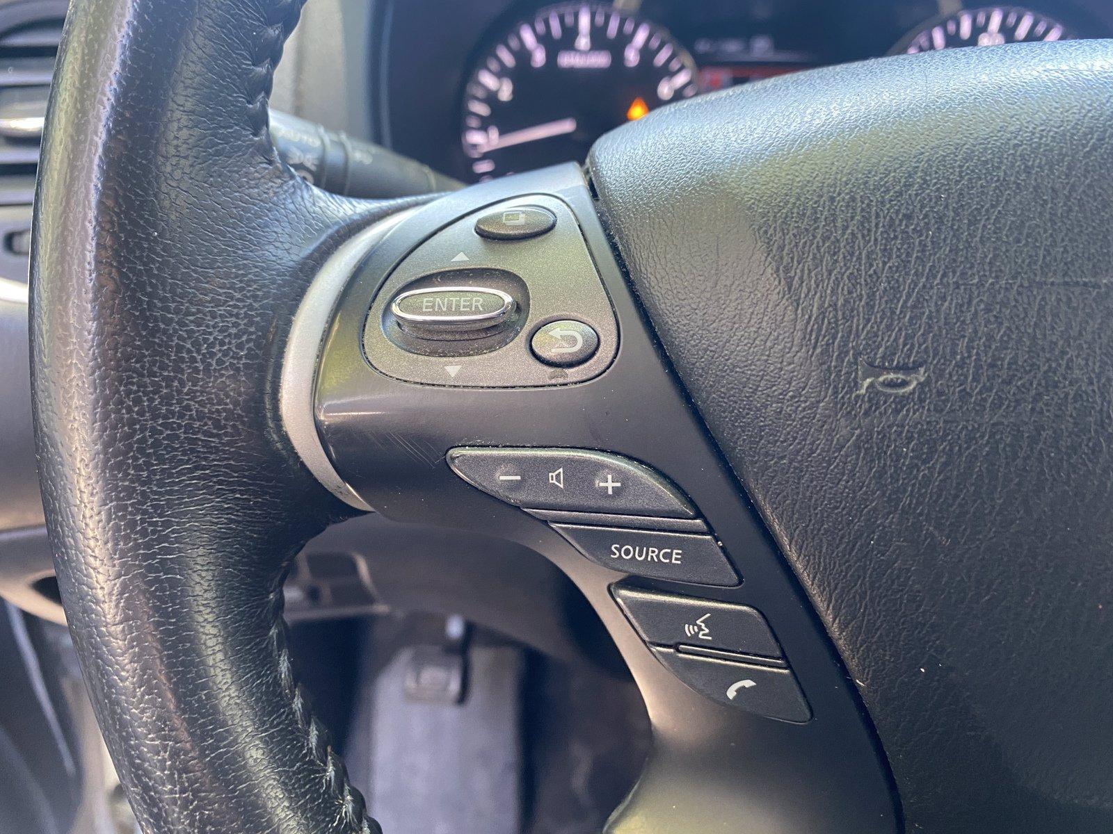 Used-2018-Nissan-Pathfinder-SV