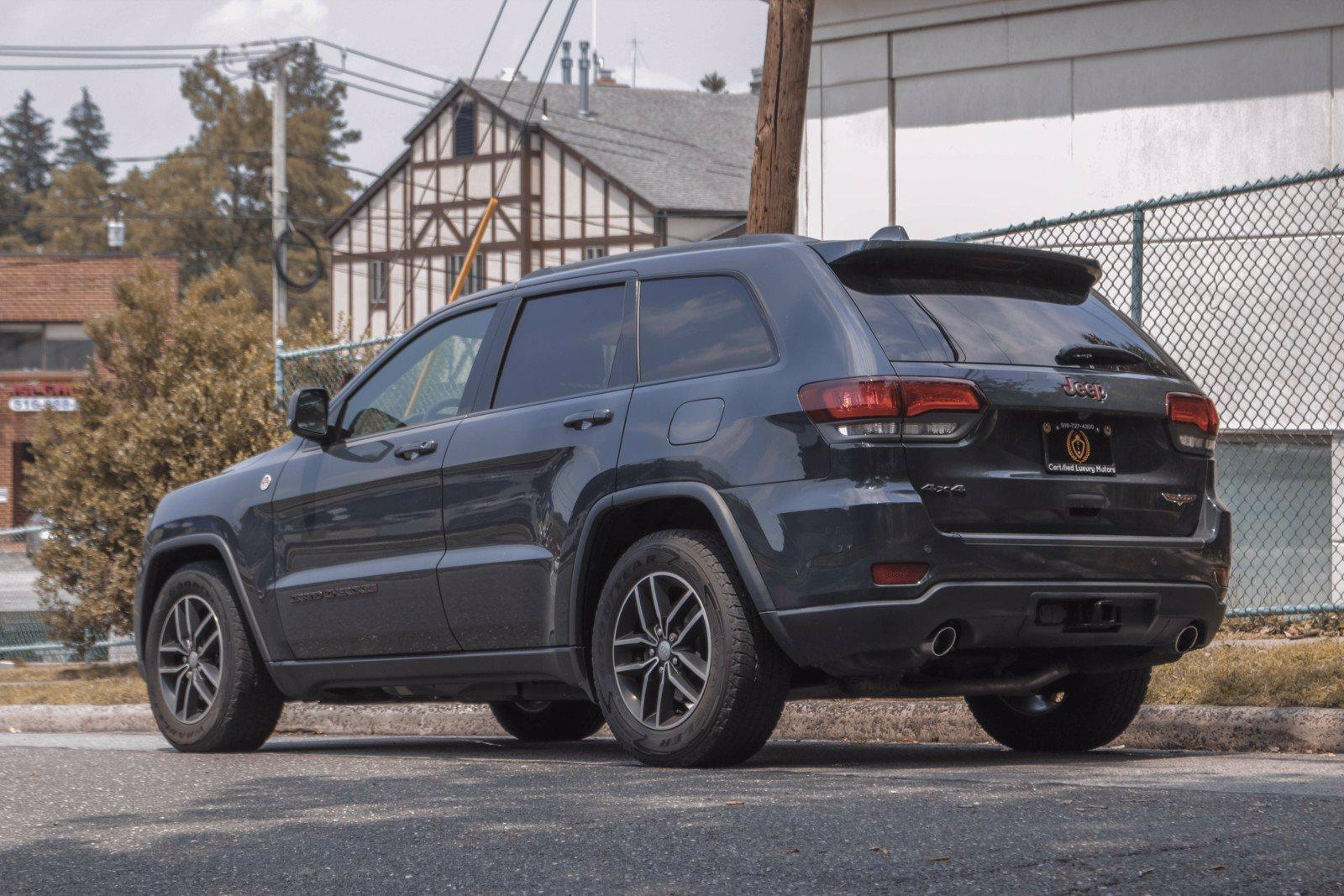 Used-2018-Jeep-Grand-Cherokee-Trailhawk