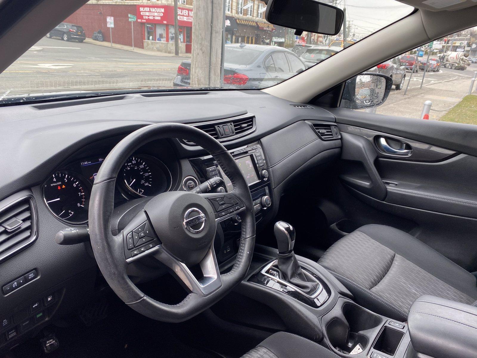 Used-2018-Nissan-Rogue-SV