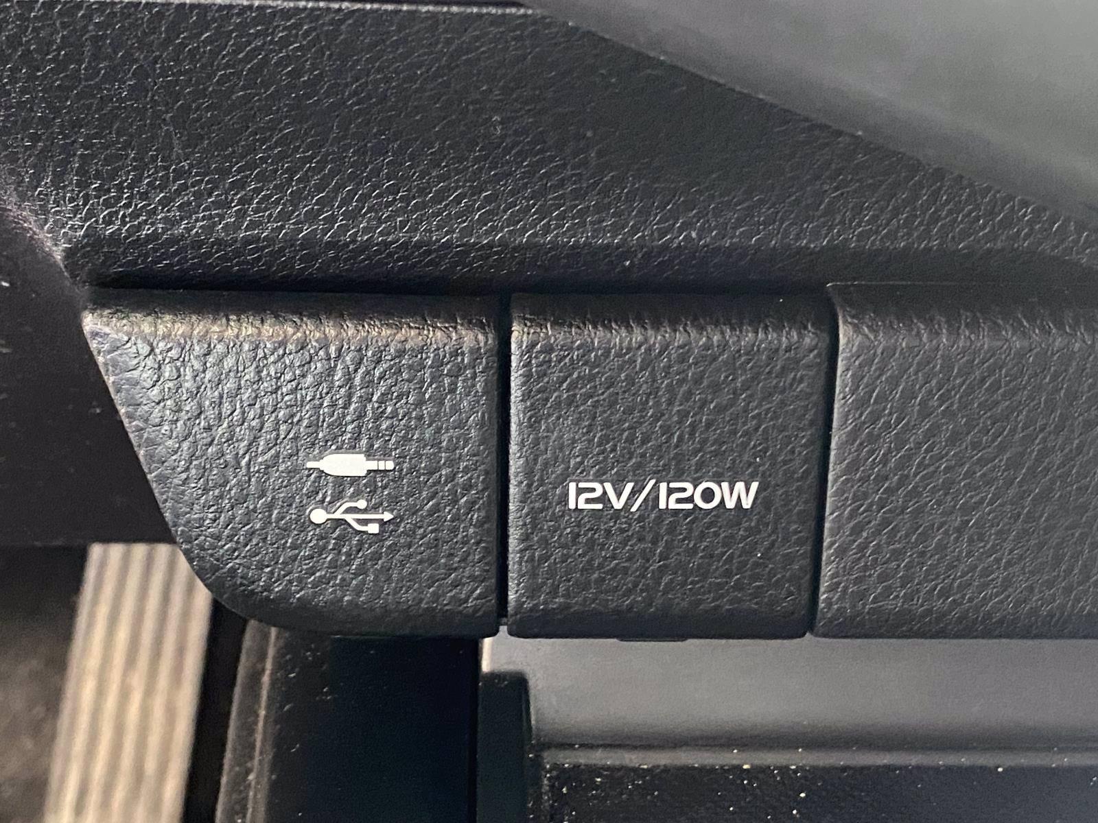 Used-2019-Toyota-Camry-SE