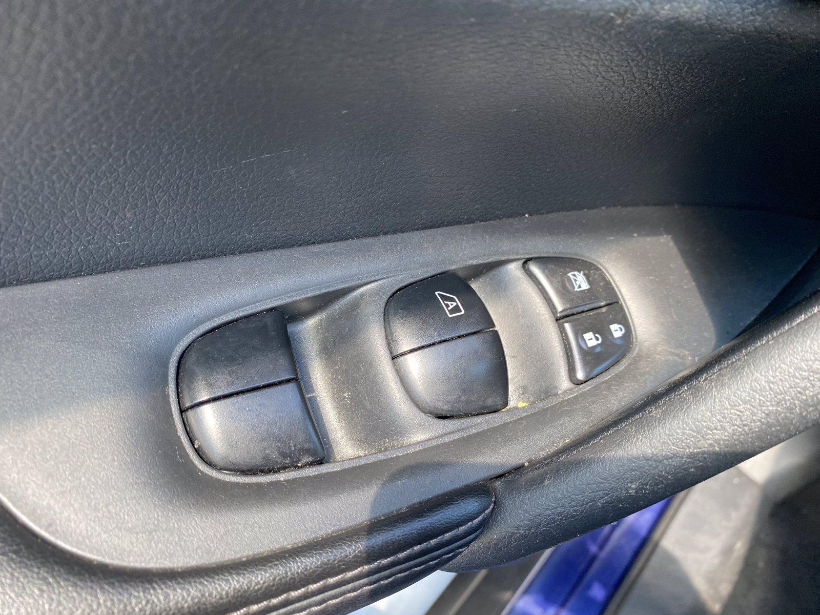 Used-2019-Nissan-Rogue-SV