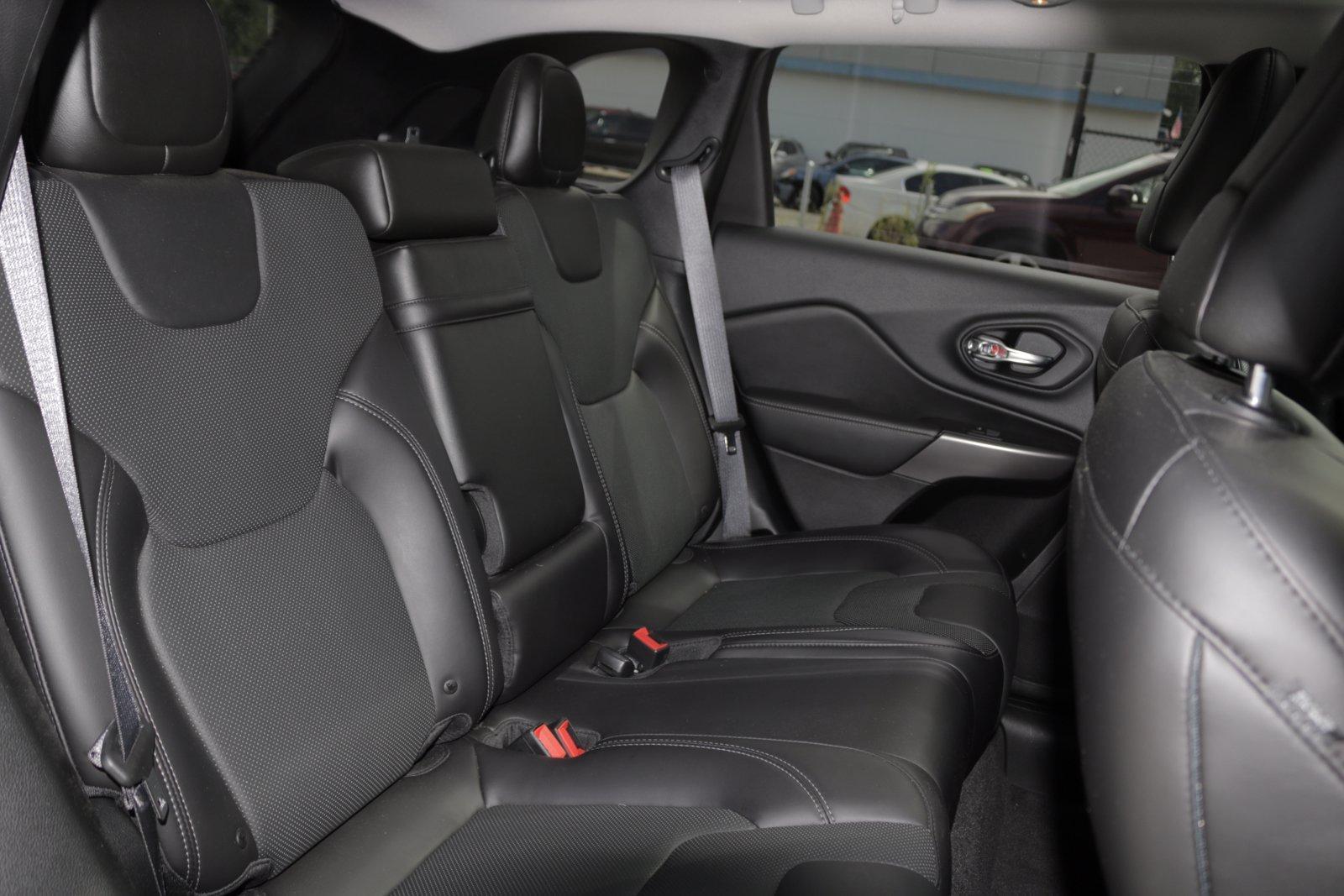 Used-2019-Jeep-Cherokee-Limited
