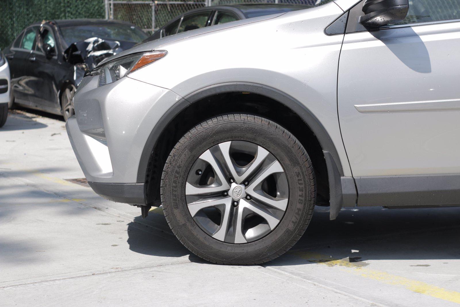 Used-2018-Toyota-RAV4-LE