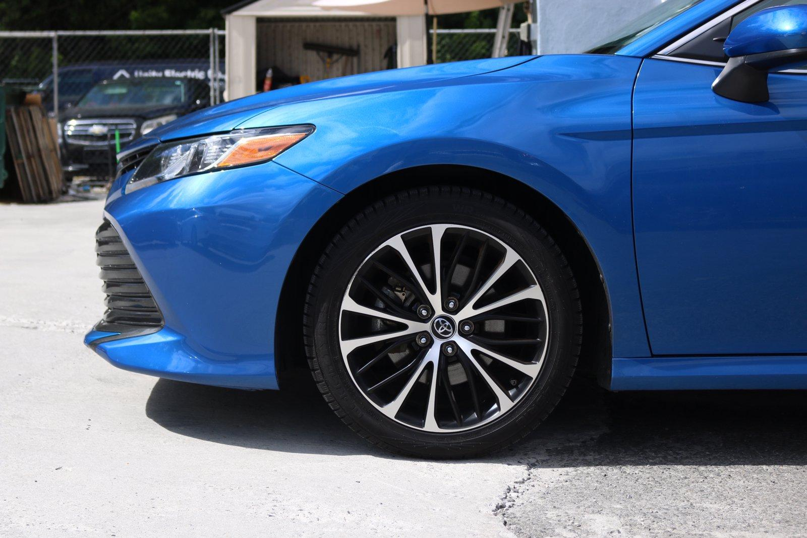 Used-2019-Toyota-Camry-LE