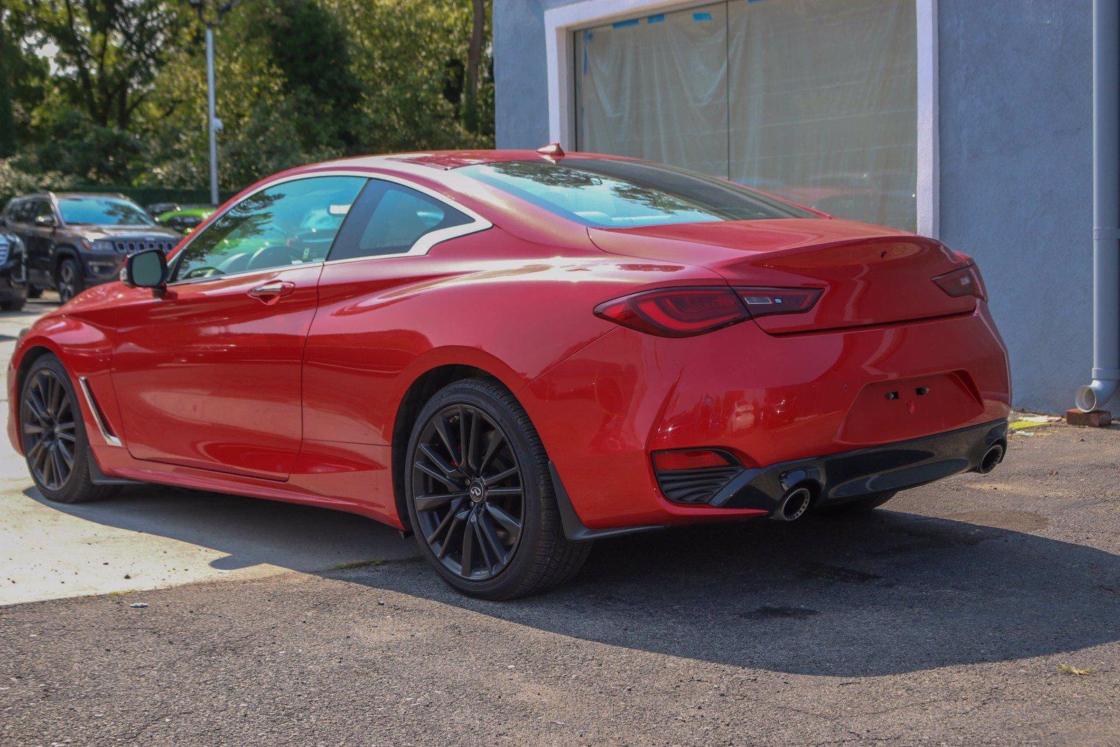 Used-2017-INFINITI-Q60-Red-Sport-400