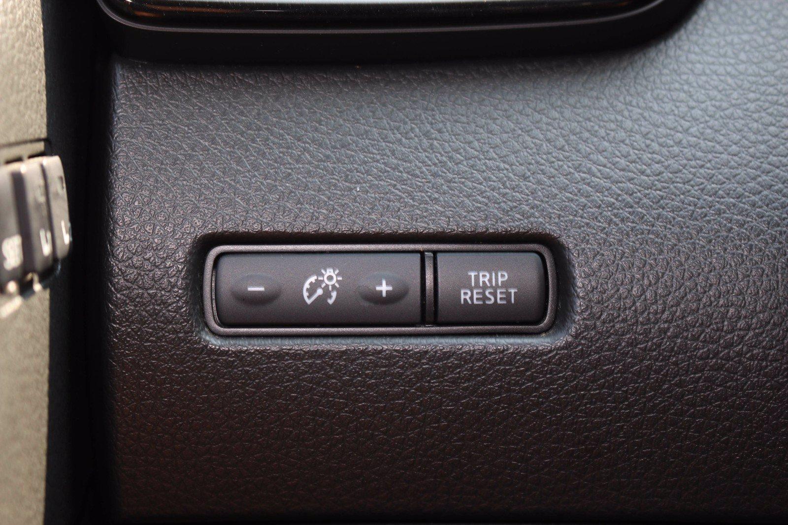 Used-2018-Nissan-Rogue-SL