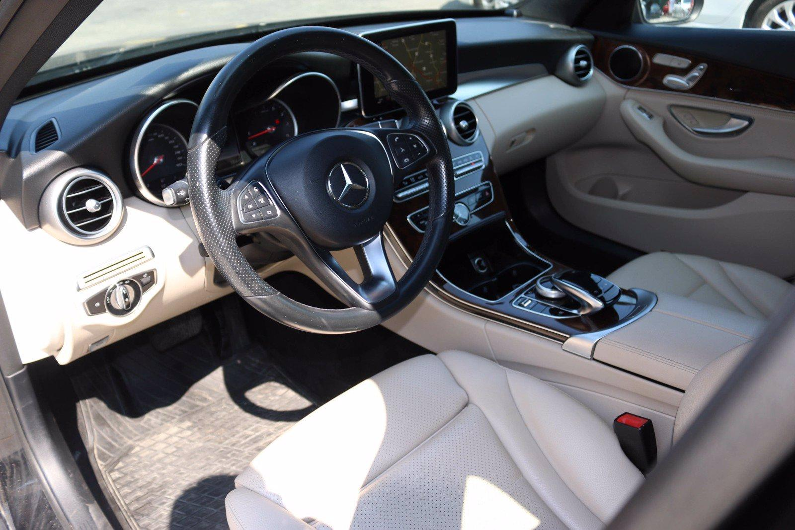 Used-2015-Mercedes-Benz-C-300-4MATIC
