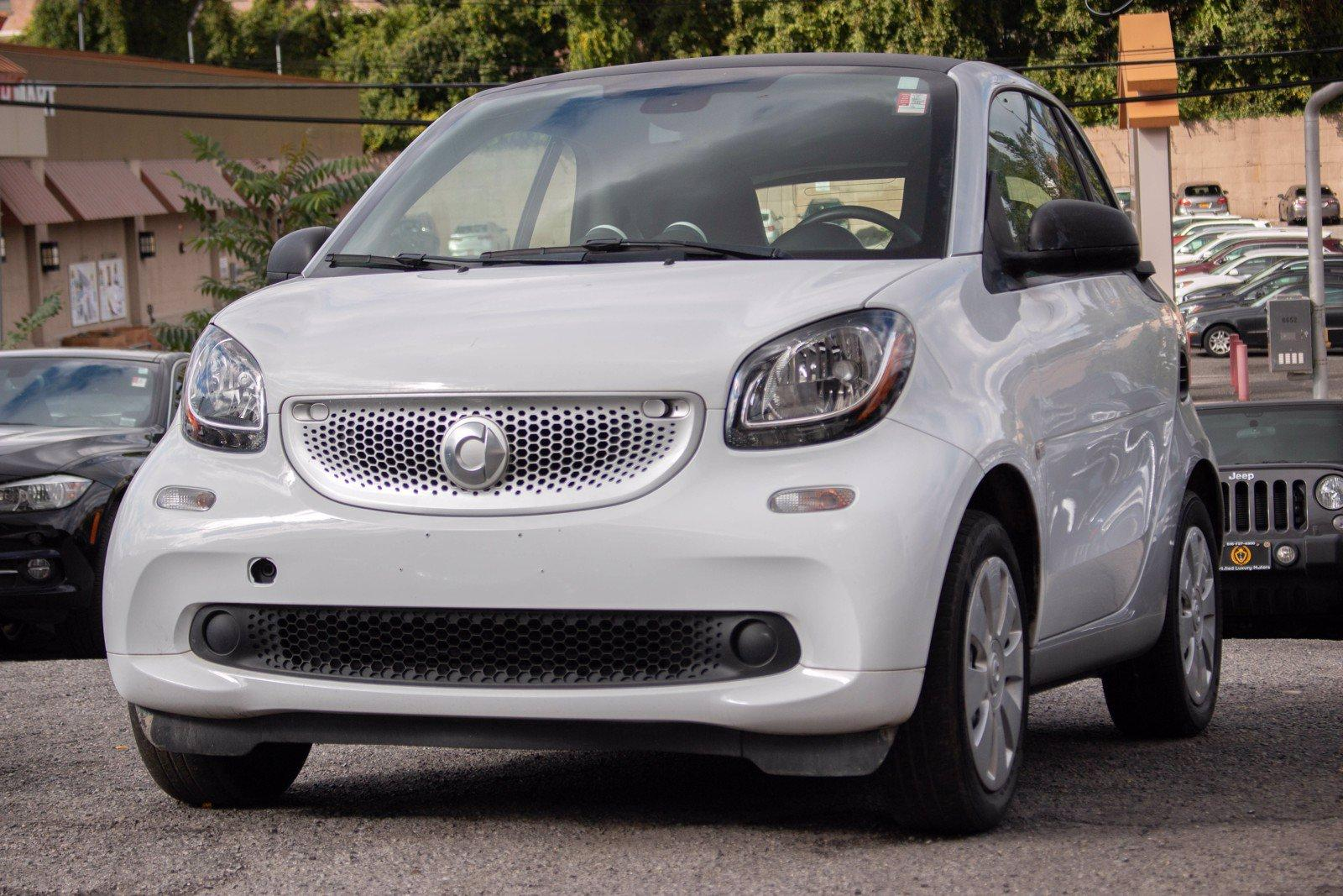 Used 2016 smart fortwo Passion   Great Neck, NY