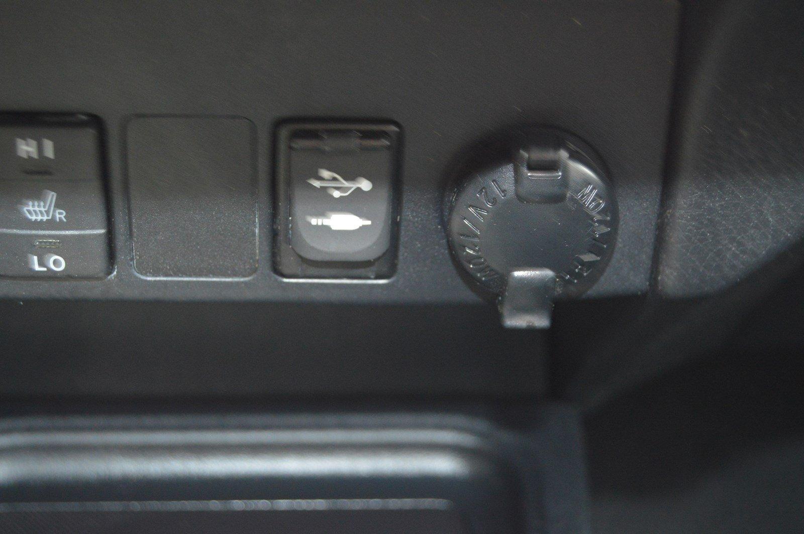 Used-2017-Toyota-RAV4-Hybrid-Limited