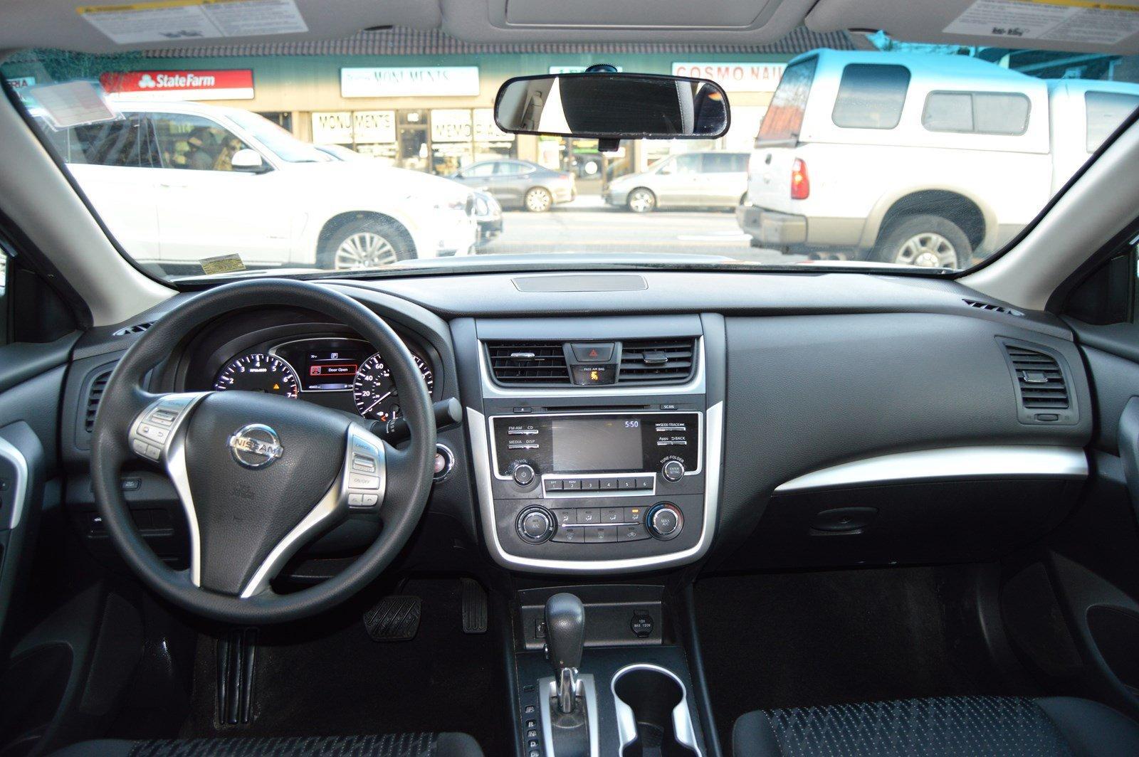Used-2016-Nissan-Altima-25-S