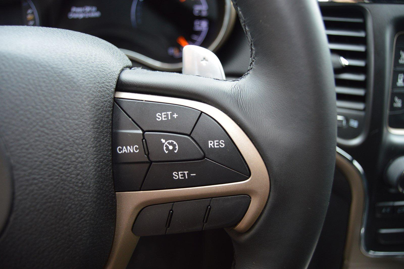 Used-2015-Jeep-Grand-Cherokee-Laredo