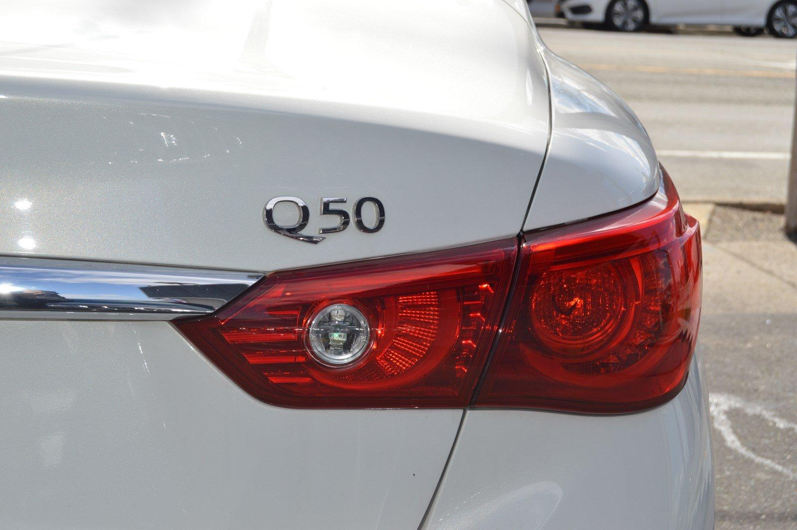 Used-2014-INFINITI-Q50-Hybrid-Premium