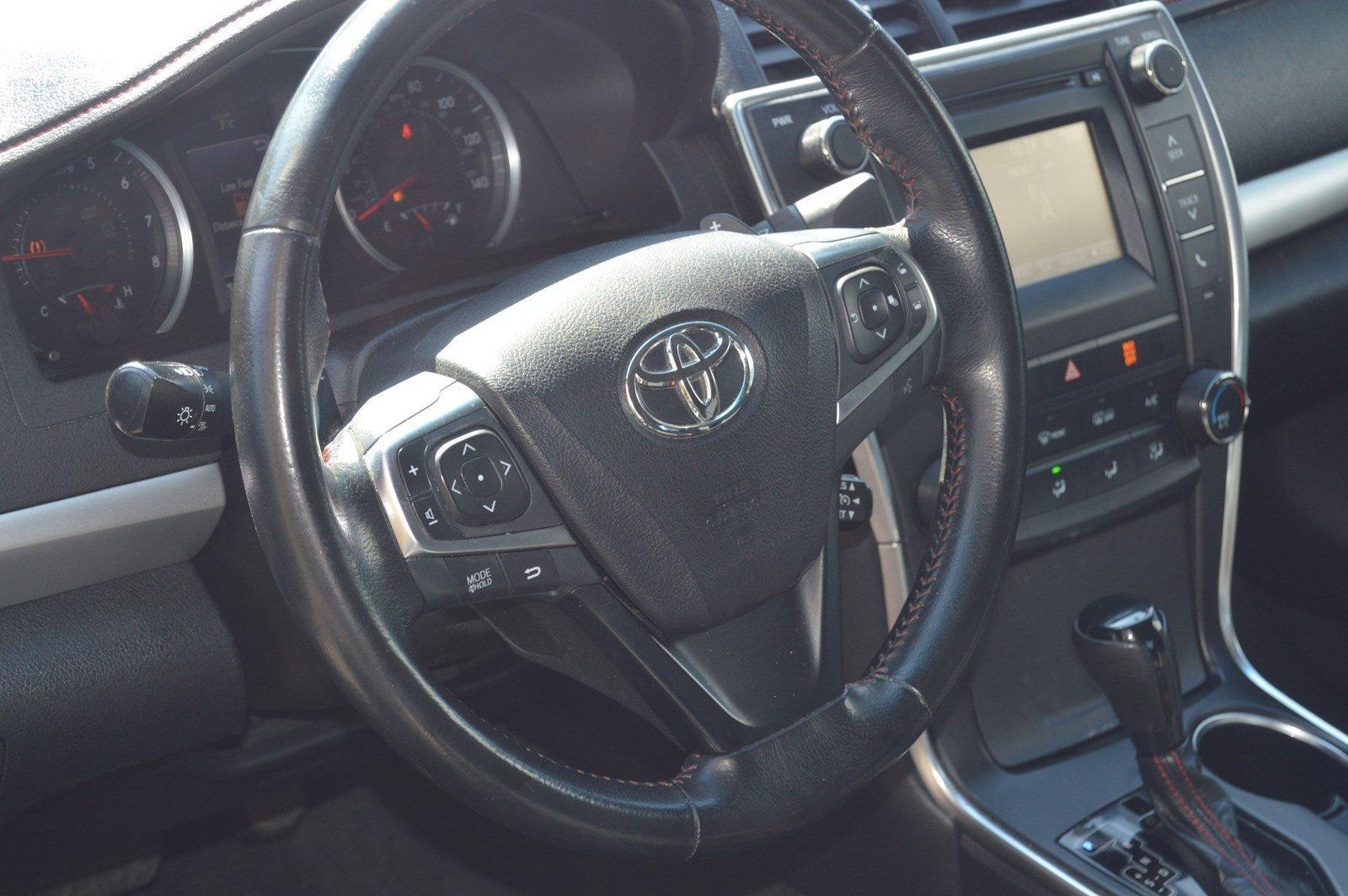 Used-2016-Toyota-Camry-SE